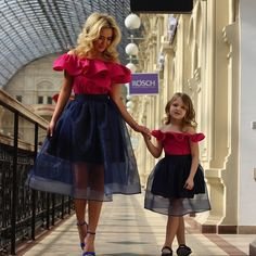 Resultado de imagen para matching outfits for mom and daughter Mom And Baby Outfits, Twin Outfits, Baby Girl Dresses, Matching Family Outfits, Baby Dress, Girl Outfits, Mother Daughter Fashion, Mother And Daughter Dresses, Mom Dress