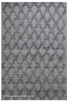 Jucar Grey Rug, a luxury hand-woven wool rug with a fringe like design detail http://www.therugswarehouse.co.uk/modern-rugs3/woven-republic-rugs/jucar-grey-rug.html #interiors #rugs