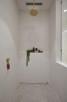 The Block 2019 Oslo: Main bathroom reveals Bathroom Colors, Bathroom Layout, Bathroom Inspiration, Bathroom Faucets, Bathroom Renos, Tile Bathroom, Bathroom Sets, Laundry In Bathroom, Main Bathroom