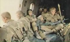 Nothing like being airlifted after a few days on patrol back to the base for a shower and a ice cold beer Military Service, Military Art, Once Were Warriors, Army Pics, Army Day, Brothers In Arms, Defence Force, Paratrooper, Cold War
