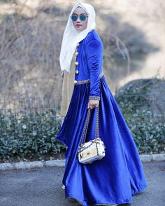 """Travel in Style"" Love this coat and Hijab Instan @anniesahasibuanofficial @anniesahasibuandaily #AAWithTravelDiary #AnniesaHasibuan #AAOnTripNewYork #AnniesaHasibuanDaily by anniesahasibuan"