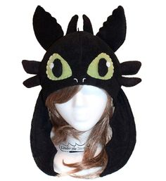 Toothless Hat (with wings). - maybe something like this but more of a hood scarf for akkadian
