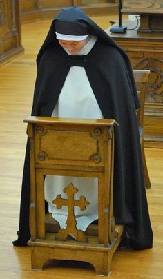 On the Feast of the Immaculate Conception Dominican Sr. Mary Magdalene of the Monastery of Our Lady of the Rosary (Summit, NJ) made her first profession of vows.