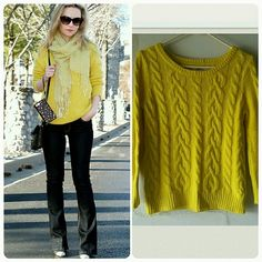 LOFT KNITTED LIMON YELLOW  SWEATER LOFT KNITTED LIMON YELLOW  SWEATER   Beautiful sweater   Excellent  Conditions LOFT Sweaters Crew & Scoop Necks