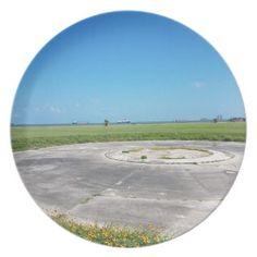 #plain - #a grassy plain plate