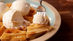 Omg my mouth is watering Waffogato - an excuse to eat ice cream for breakfast. A day starting with waffles, coffee and ice cream is bound to be good. Just Desserts, Delicious Desserts, Dessert Recipes, Yummy Food, Snack Recipes, Ice Cream For Breakfast, Milkshake, Waffles, Cupcakes