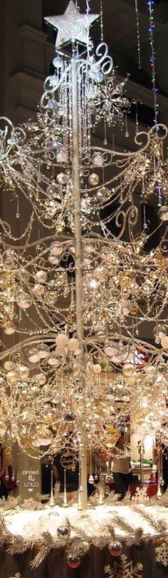 Elegant Crystal (most expensive tree) Christmas Tree. Christmas In The City, Gold Christmas Tree, Christmas Makes, Beautiful Christmas, Handmade Christmas, Christmas Time, Minimal Christmas, Silver Christmas Decorations, Ideas