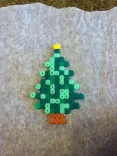 Hama/ perler beads Christmas tree with a star!!