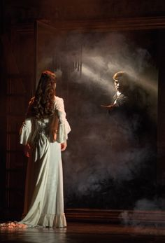 """The Mirror"" Katie Travis as Christine Daaé and Chris Mann as The Phantom.	 Photo: 	Matthew Murphy"