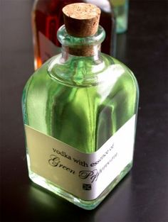 Infuse vodka for delicious, easy-to-handle homemade gifts | Offbeat Home