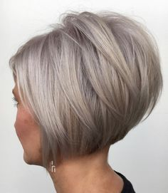 70 Cute and Easy-To-Style Short Layered Hairstyles Short Inverted Bob with Angled Layers Inverted Bob Hairstyles, Short Bob Haircuts, Layered Hairstyles, Graduated Bob Haircuts, Grey Bob Hairstyles, Short Layered Bob Haircuts, Popular Short Haircuts, Haircut Bob, Haircut Short