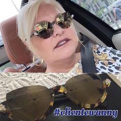 @lu_dios aproveitou esta manhã para garantir seu #Fendi nas #oticaswanny #jkiguatemi ❤ ❤ ❤ ᎪᎷᎪᎷᎾᏚ!! #clientewanny #fendi #fendiblink #blink #sunglasses #oculos #dourado #espelhado