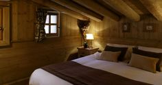 The chalet is spread over three floors and just a short walk to the town central area. All the bedrooms are en suite with the bathrooms beautifully decorated with Italian tiles making them feel luxurious and authentic. Each en suite bedroom features an integrated music system along with a flat screen plasma screen.   Book it now at: http://www.skimoar.com/rooms-list/val-disere-ski-chalets-chalet-meridien/