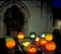 """Chiluly A Spoleto"" by Dale Chiluly. 20' x 20' x 20', 1995, at Spoleto Festival in Italy. I love how the spheres are glowing with iridescent light. It's so ethereal and outerworldly."
