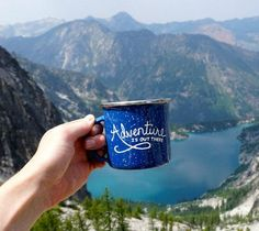 Camping coffee mug Adventure Awaits, Adventure Travel, The Places Youll Go, Places To Go, Cadeau Couple, Hiking Essentials, Kayak, The Mountains Are Calling, Cute Mugs