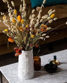 Interior Inspiration, Vase, Table Decorations, Flowers, Furniture, Home Decor, Homemade Home Decor, Flower Vases, Home Furnishings