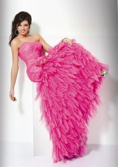 very nice! pink wedding dress - http://casualweddingdresses.net/pink-wedding-dress-for-the-romantic-and-sweet-bride/