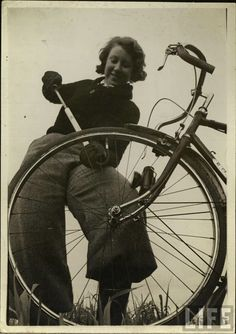 vintage everyday: 30 Interesting Vintage Photographs of Women with Their Bicycles