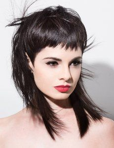 Online Hair Education Done Right Modern Mullet Haircut, Mullet Haircut Woman, Mullet Hairstyle, Chic Short Hair, Long To Short Hair, Edgy Hair, Short Hair Styles, Funky Haircuts, Women Haircuts Long