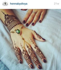 Follow hennabydivya on Instagram!!! Henna mehndi pics are awesome !