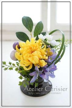 Small Flower Arrangements, Small Flowers, Fresh Flowers, Paper Flowers Craft, Flower Crafts, Flower Crown, Flower Art, Dwarf Fruit Trees, Modern Floral Design