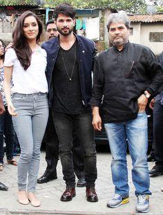 Shahid Kapoor, Shraddha Kapoor and Vishal Bhardwaj promoting Haider. #Bollywood…