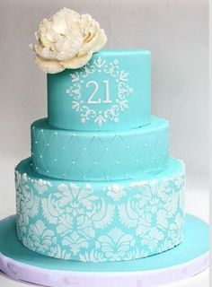 birthday girl wants damask on bottom tier