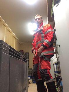 Hi Vis Workwear, Working Men, Rugged Men, Muck Boots, Country Men, Wellington Boot, Men In Uniform, Construction Worker, Rain Wear