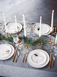 Elegant Wedding Tablescape l Simple White Plates and Gold Flatware l Brass Candlesticks