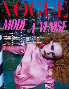 Rianne van Rompaey en couverture du numéro de novembre 2017 de Vogue Paris