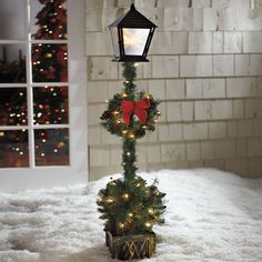 Cordless 5' Lamp post Topiary | Outdoor Christmas Decor