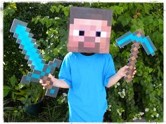 Halloween will be here before we blink. And it seems like every kid is currently obsessed with Minecraft. (If you don't hear about this game at least 50+ times a day, you obviously don't have a 5 ...
