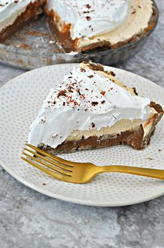 This vegan and gluten free pie has a layer of dark chocolate pudding, bananas and peanut butter mousse. It is literally the greatest pie ever!