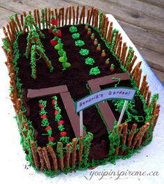 Backen Garden Theme Birthday Cake – Week 3 Atlanta Green Home Lights the Way Energ Garden Theme Cake, Garden Theme Birthday, Garden Cakes, Bunny Birthday, Allotment Cake, Vegetable Garden Cake, Bolo Original, Dad Cake, Rabbit Cake