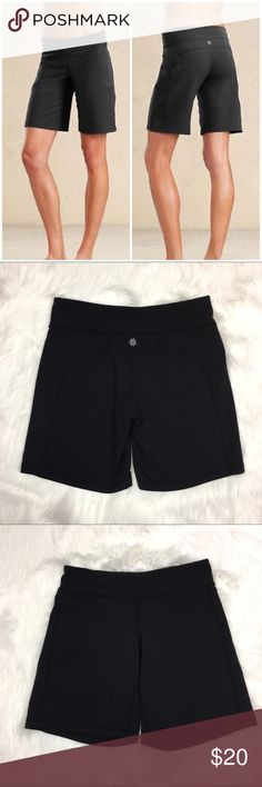 Athleta Kickbooty Bermuda Shorts in Black Athleta Kickbooty Bermuda Shorts in Black. Size small petite. Excellent used condition.  ❌I do not Trade 🙅🏻 Or model💲 Posh Transactions ONLY Athleta Shorts Bermudas