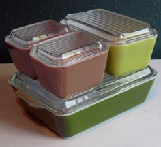I wish my fridge could be full of Pyrex refrigerator dishes with lids! If you're ever at an antique store and see 'em...let me know!