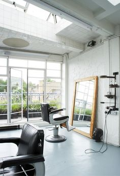 Secret Sources: An Artful Salon in London : Remodelista