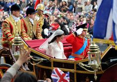 Royal carriage procession to Buckingham Palace