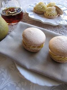 maple & pear macarons