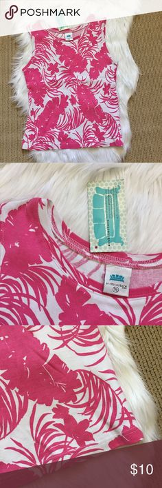 "New Pink and White Hawaiian Floral Tank Top An everyday holiday flower and fern print basic for the summer! New with tags. ▪️100% cotton ▪️16.5"" armpit to armpit flat across and 23"" shoulder to hem length. Architecture Tops Tank Tops"