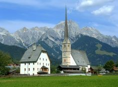 located in the Pinzgau region, is a beautiful travel destination as well summer as winter. European Countries, Countries Of The World, Beautiful Places, Beautiful Pictures, Ill Fly Away, Visit Austria, Mountain Photos, Central Europe, Vacation Destinations