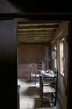 Early New England interior: William Haskell House, Gloucester, MA, c. 1700.