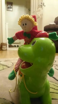 December 5th - Dinosaur Racing #elfmagic #elfcapades Save 30 % on Elf Magic elves using code STAY30 this week at happymummy.com
