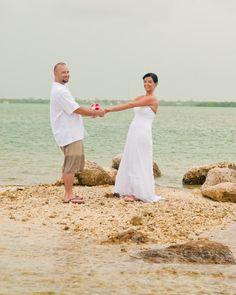 Key West wedding photography www.artsinfotos.com Key West wedding photographer Wedding collections start at $1200