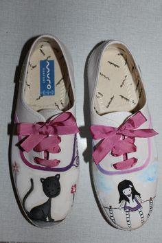 Zapatillas pintadas a mano y personalizadas.