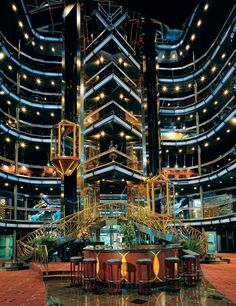 <b>The Atrium on the Carnival Fascination.</b>
