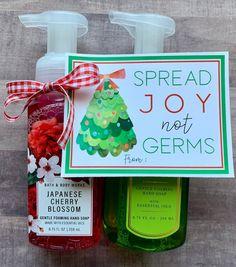 Small Christmas Gifts, Inexpensive Christmas Gifts, Neighbor Christmas Gifts, Christmas Soap, Neighbor Gifts, Diy Christmas Ornaments, Christmas Fun, Office Christmas Gifts, Easy Homemade Christmas Gifts