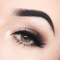 ✨Smokey eye goodness on in our ✨ Huda Beauty, Beauty Makeup, Hair Makeup, House Of Lashes, Anastasia Brow, Night Makeup, Liquid Liner, Everyday Makeup, Makeup Revolution