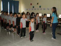 Resultado de imagem para alunos tem que cantar o hino