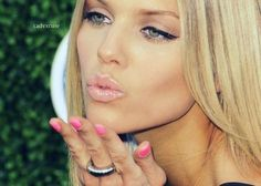 love this look - matte cat eyes, baby pink lips & nails